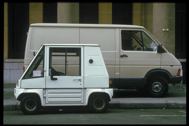 Iso pakettiauto