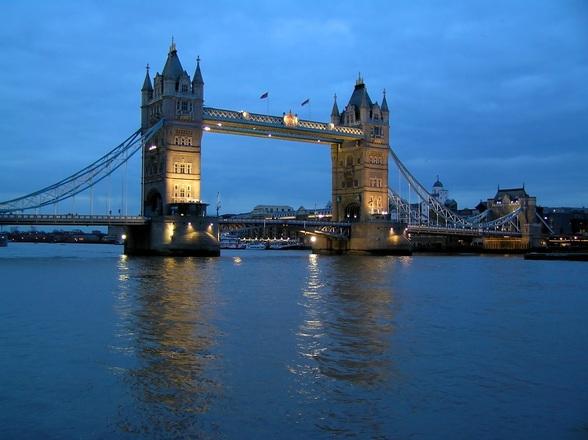 London Thames 1