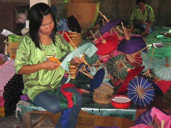 thai umbrella maker 4