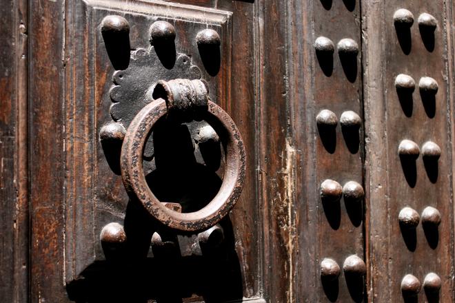 Free old wooden door stock photo - Pulire porte legno ...