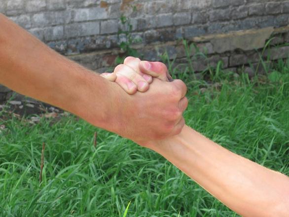 Auttava käsi