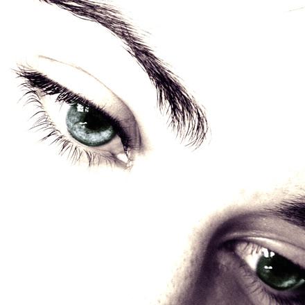 tinted eye 2
