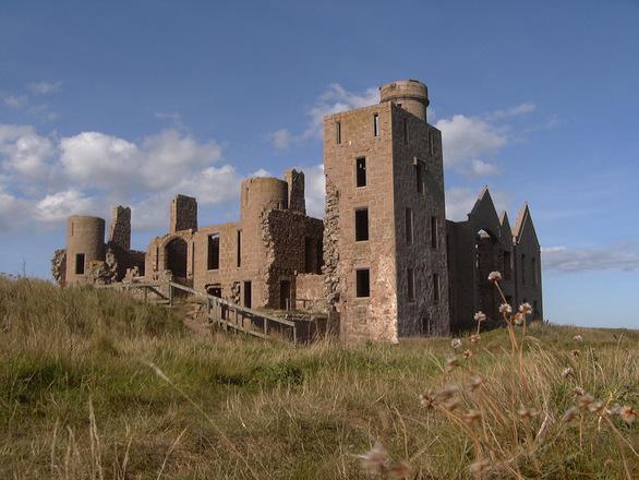 slains castle 5