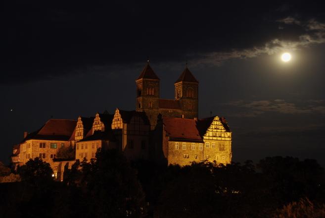 Castle Hill in Quedlinburg at night