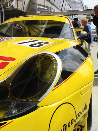 Porsche at pit stop 2
