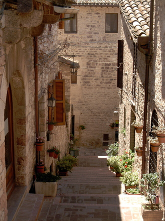 A narrow street in Italy