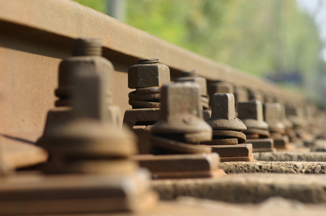 Rail closeup 1