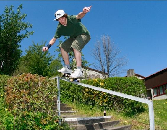 skaterboy on a rail
