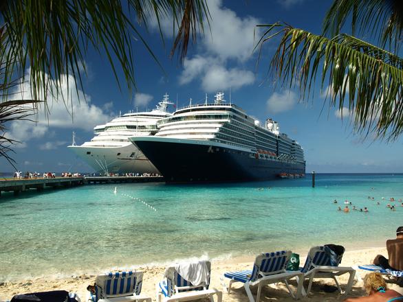 Cruise ships at Grand Turk