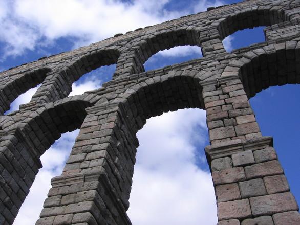 Roman Aqueduct of Segovia, Spa