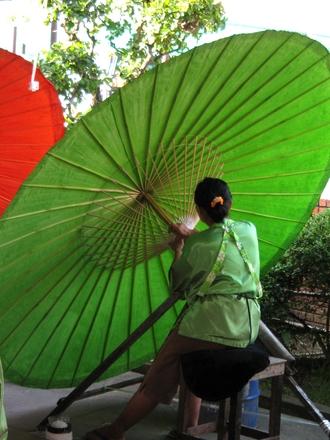 thai umbrella maker 5