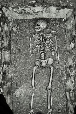 Merovingian tomb 1