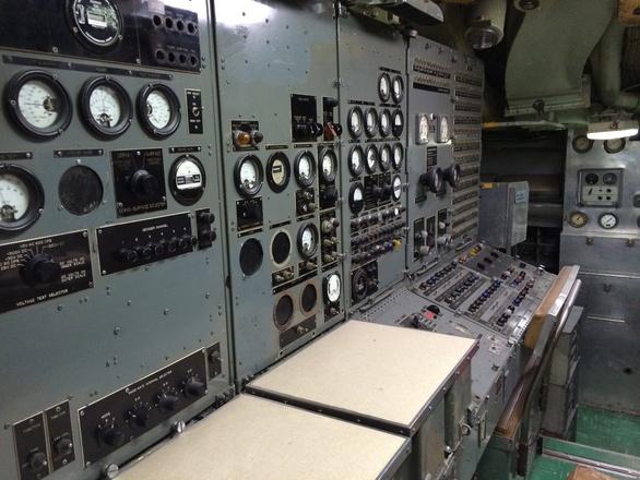 Submarine gauges