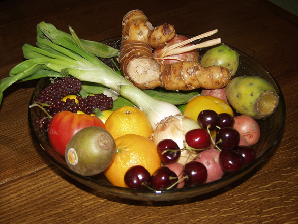 fruit and veggie bowl