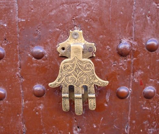 handy door knocker