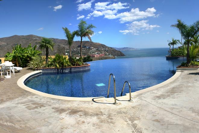 Free infinity pool stock photo - Costo piscina 8x4 ...