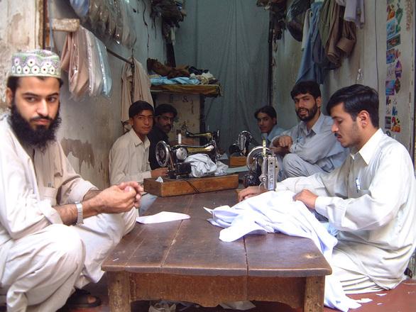 Seamsters, Peshawar