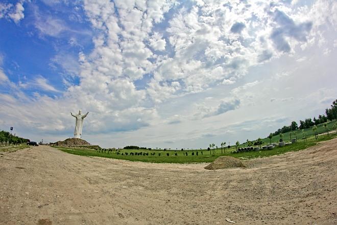 Pomnik Jezusa / Jesus monument Swiebodzin