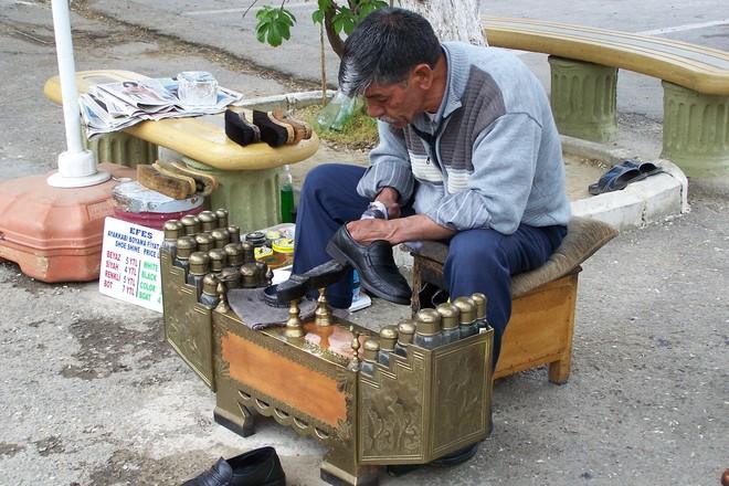 shoe painter