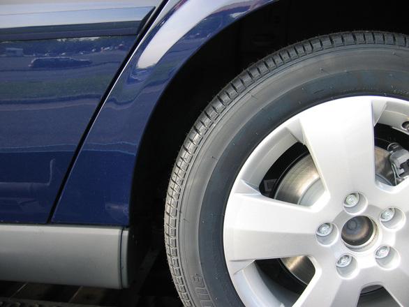 Auton rengaspaineet