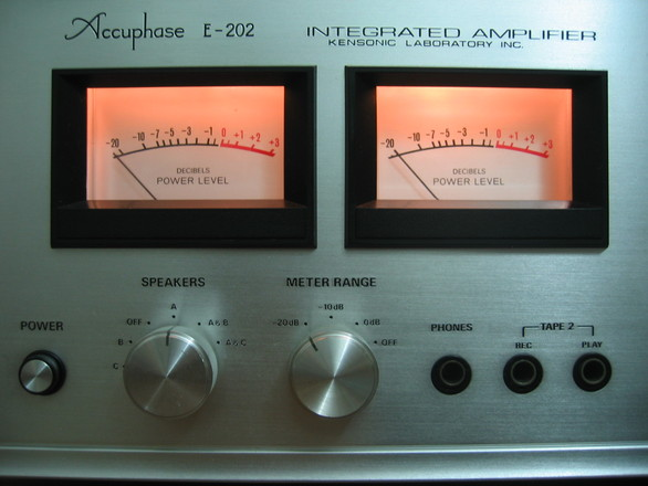 Accuphase E-202 3