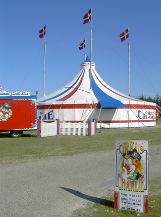 Circus in town 1