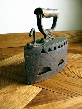 Antiikkinen silitysrauta