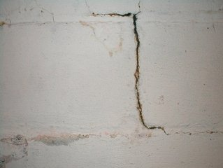 free cracked wall images pictures and royalty free stock photos
