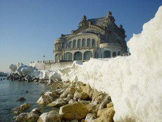 frozen-sea-1404561.jpg