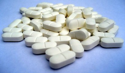 white-pills-1311477.jpg