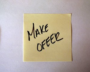 post-it-note-make-offer-1240313.jpg