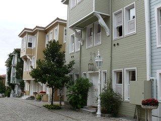 house-1172352.jpg