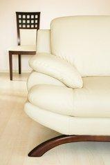 relax-on-the-sofa-1314984.jpg