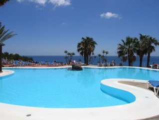1 2 K Free Swimming Pool Images Pictures And Royalty Free Stock Photos Freeimages Com