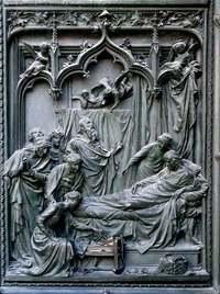 Details of Milano's Duomo door 4
