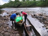 Preparing canoe