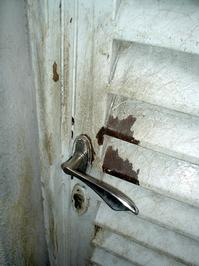 dirty-door