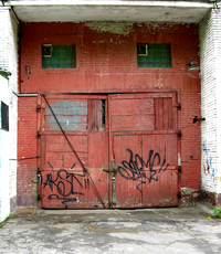 red gate 02