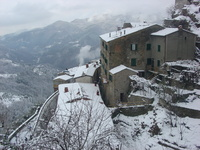 Vellano, snowing
