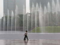 Raining fountain