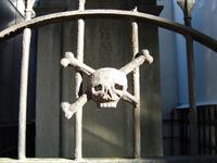 cemetery skull