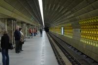Mustek metro platform