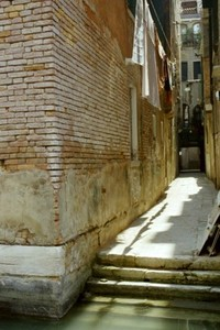 venezian back alley
