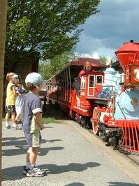 Kids watching train
