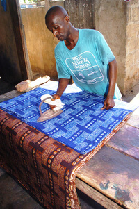 Ironing batik