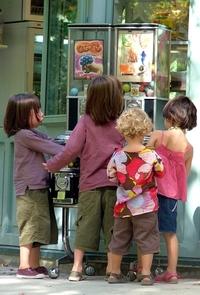 Children at the vending machine 1