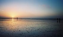 sunset 80 mile beach
