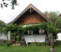 vineyard village Heiligenbrunn