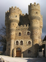 Rolling stone castle
