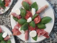 Prosciutto caprese salad 2